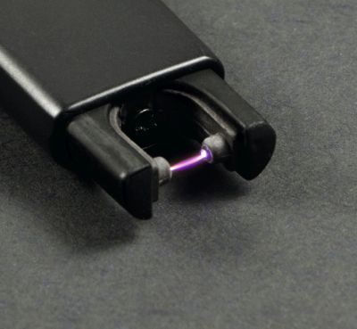 Diverse Cozy Lichtbogen Feuerzeug schwarz Arc Lighter inkl. Ladekabel bei www.Tabakring.de kaufen
